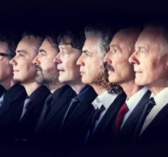 "Watch KING CRIMSON Performing ""Heroes"" Live in Berlin"