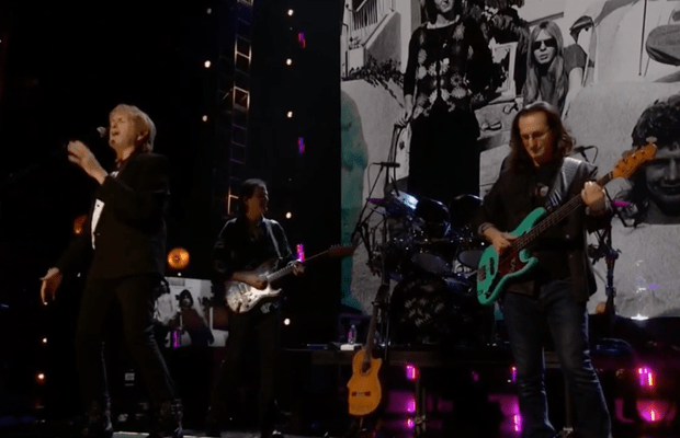 """Watch Pro-Shot Video of YES & GEDDY LEE Performing """"Roundabout"""""""