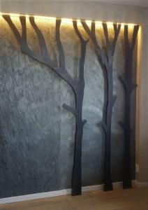 Sfondo Ardesia Emistone e piante stilizzate in metallo