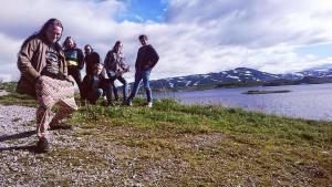 band-near-lake