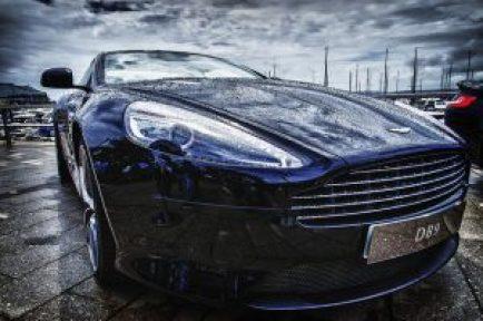 Aston MArtin db9 _elegir un crm pymes con el programa de gestión comercial online de Trebede.com