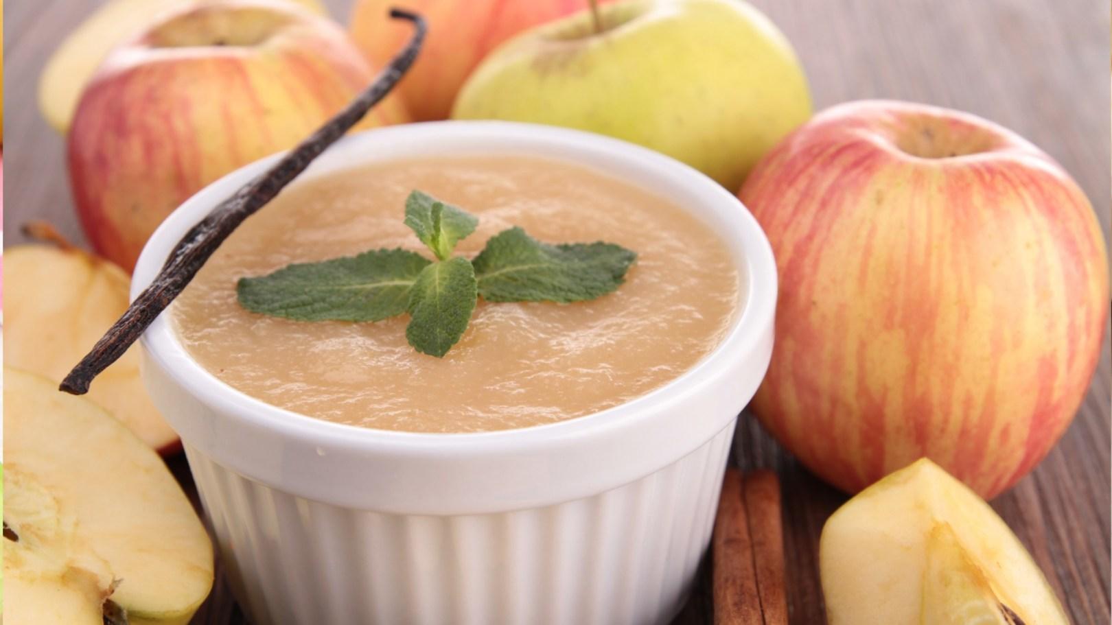 Compote de pomme à la vanille au pied mixeur dès 4-6 mois