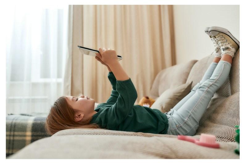 Quels écrans privilégier pour un bébé ?