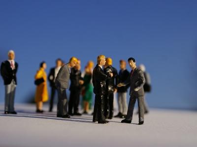 Warum Unternehmenspolitik wichtig für Ihre Karriere ist