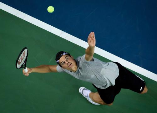 Comment améliorer son lancer de balle au service tennis ?