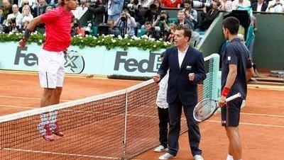 Difficile de débuter un match de tennis ? Voici l'histoire du lièvre et de la tortue…