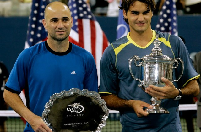 En 2005 à l'US Open, Federer bat André Agassi 6/3 2/6 7/6 6/1