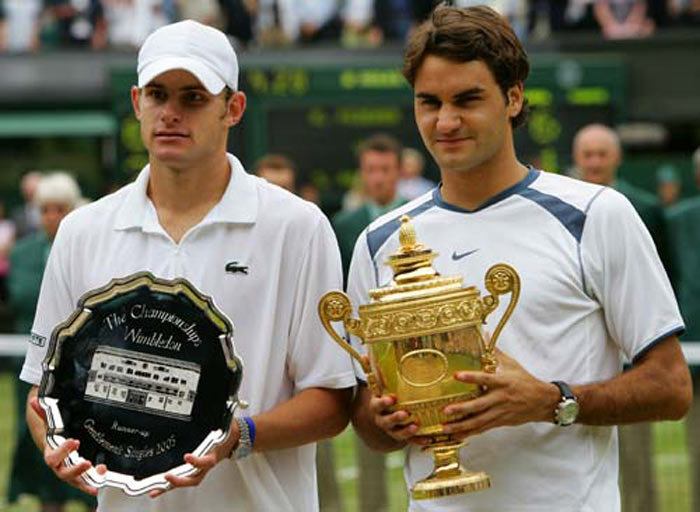 En 2005 à Wimbledon, Federer bat Andy Roddick 6/2 7/6 6/4