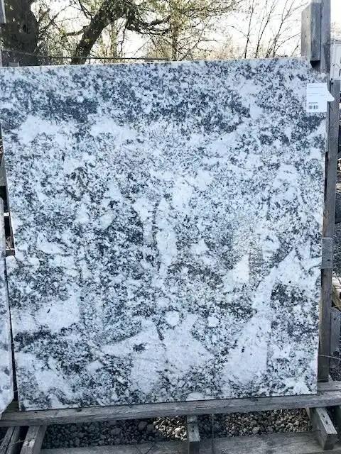 Square granite remnant with white granite and grey granite