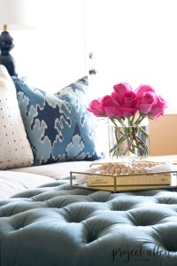 How to style a coffee table with this easy step by step guide.