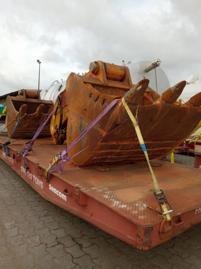 Bulldozer transhipment
