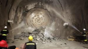 tunnel boring machine