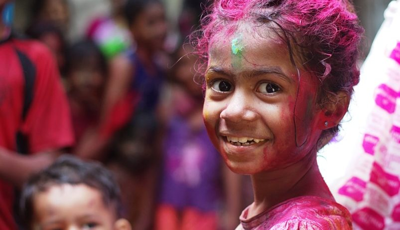 Bimba indiana piccola