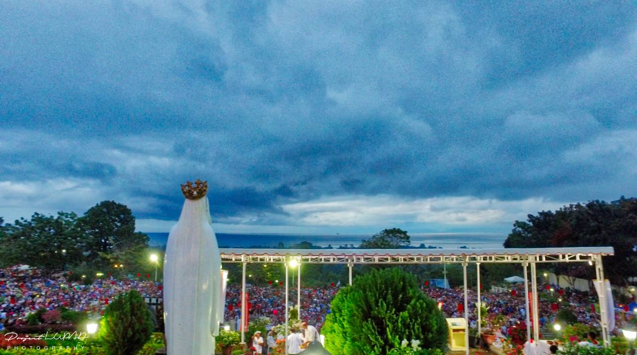 Feast of the Divine Mercy Main High Mass (4 AM - 6 AM).