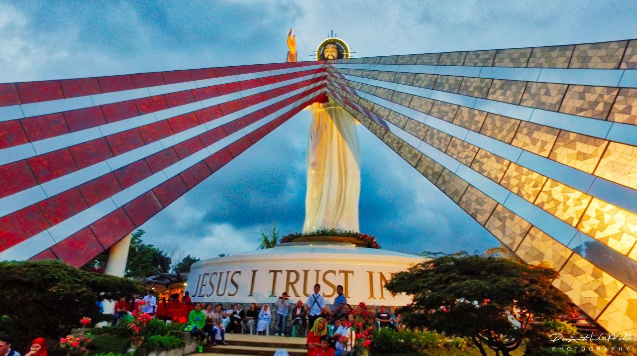 Feast of the Divine Mercy Main High Mass (4 AM - 6 AM).
