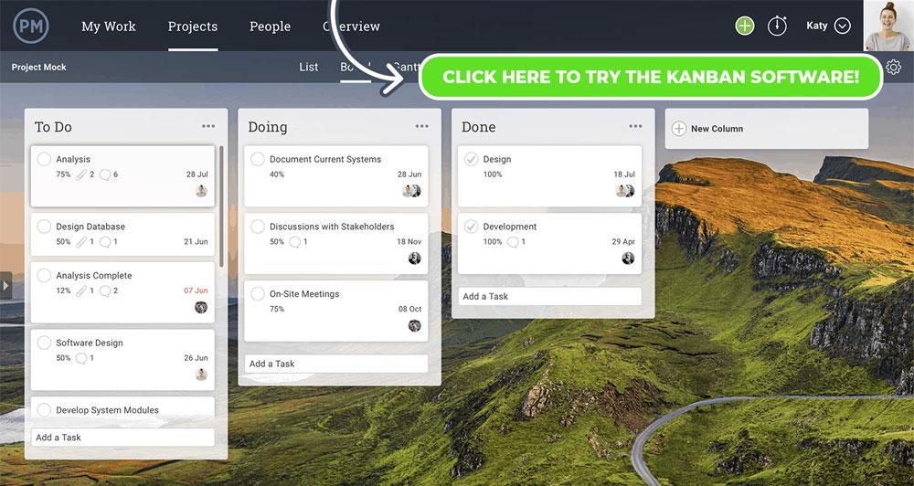 Un tablero kanban en ProjectManager.com