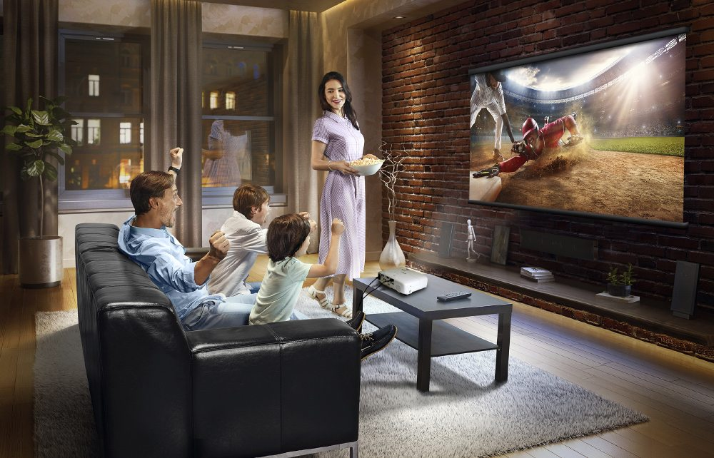 Epson Home Cinema 1060 First Look Review Projector Reviews