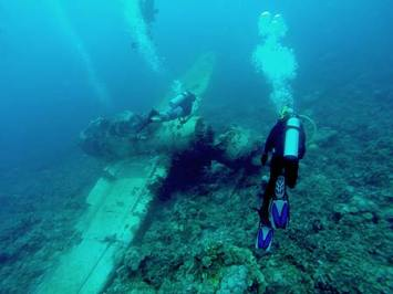 Diver Dave on the Jake plane wrech palau