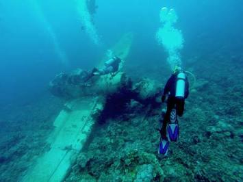 Diver Dave on the Jake plane wrech palau