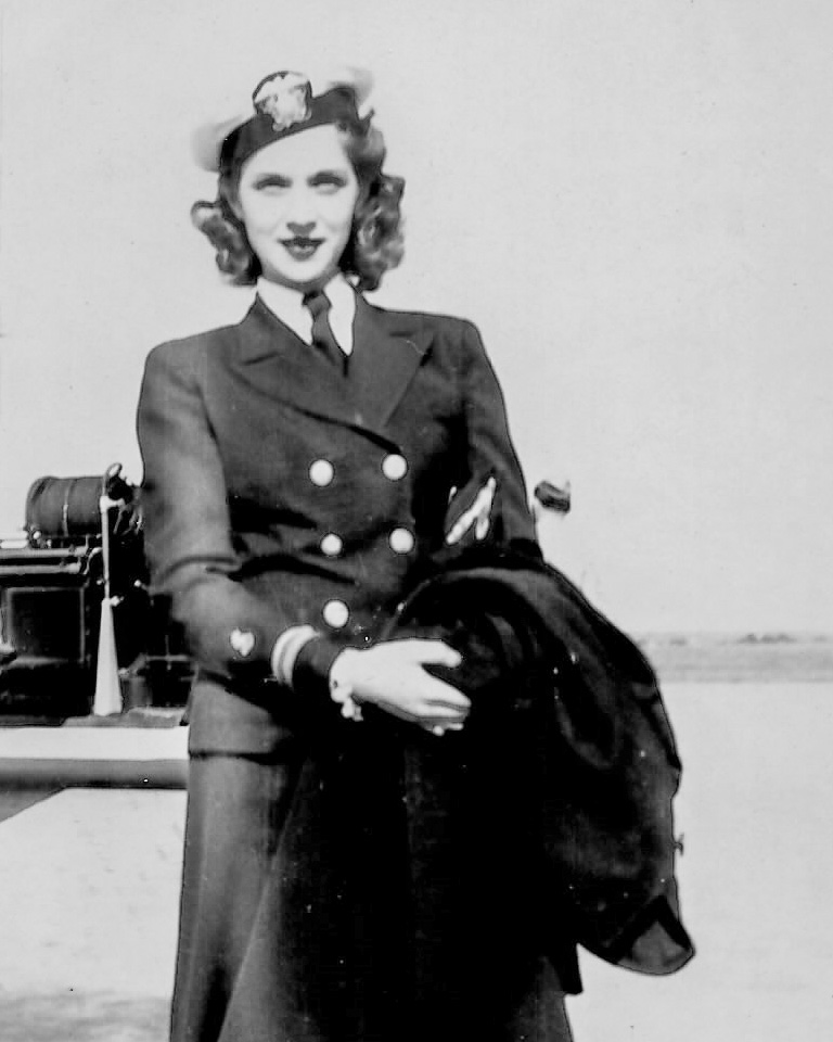 Lt. Esther L. Hilton, WWII nurse,