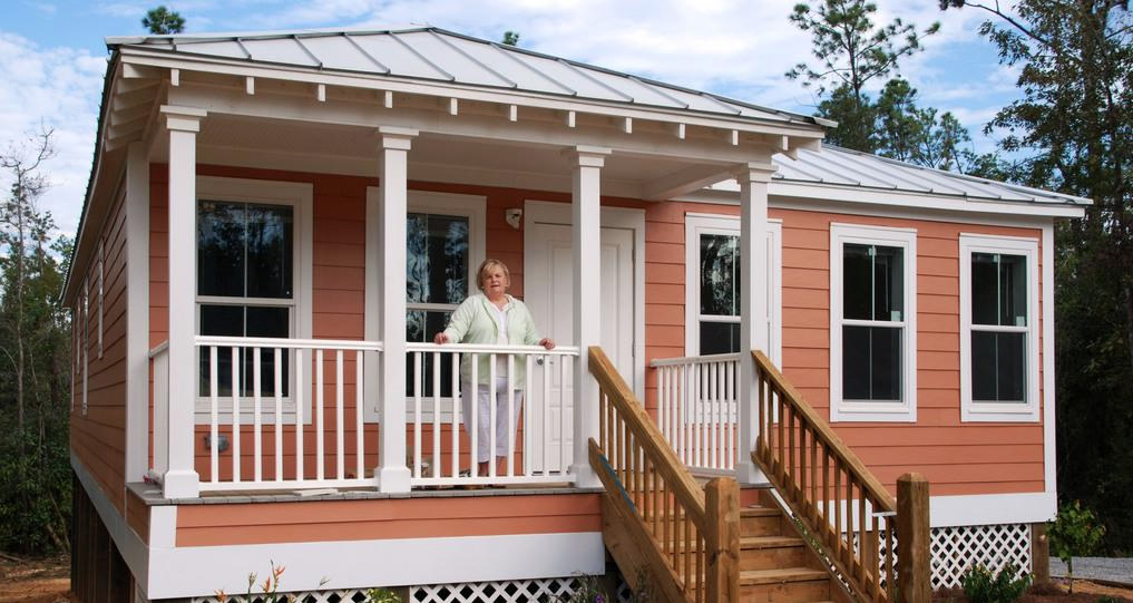 Incredible Katrina Cottage Comeback Project Small House Home Interior And Landscaping Transignezvosmurscom