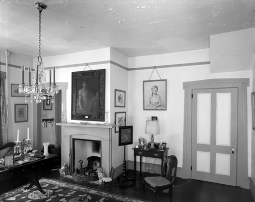 Picture Rail Wicklow Hall Plantation, State Route 30, Georgetown, Georgetown County, SC Library of Congress Prints and Photographs Division Washington, D.C. 20540 USA Historic American Buildings Survey (HABS)
