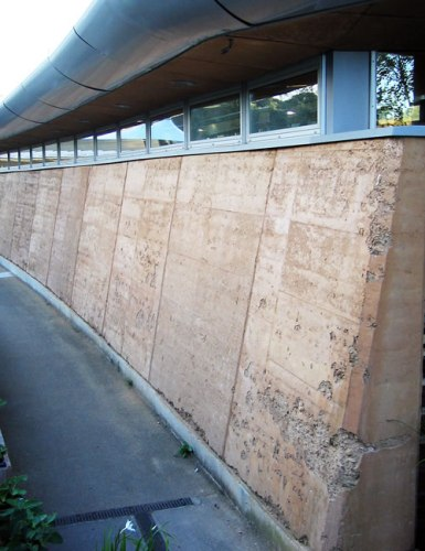 Rammed Earth Wall, Eden Project Photo by Andrew Dunn