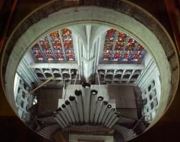 Zicht op orgel tijdens beklimming van de Sint-Romboutstoren.
