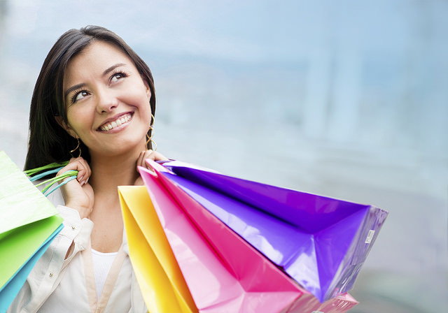 Shopping (© Andres Rodriguez / Dreamstime)