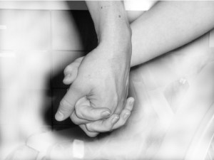 holding_hands-1423