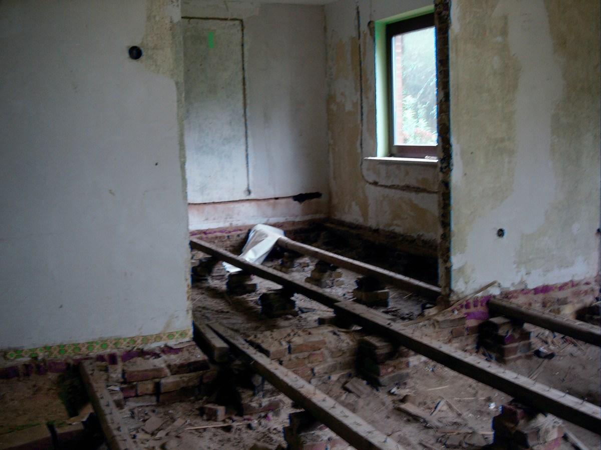 Das Haus wird entkernt, oder alles muß raus...