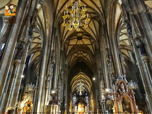 Interior da catedral de Santo Estevão