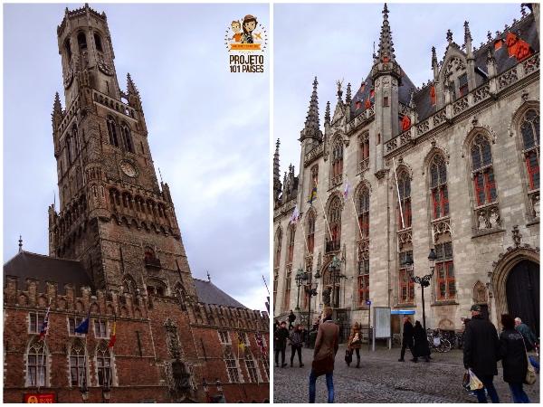 A torre do sino, do lado esquerdo, e a prefeitura, do lado direito