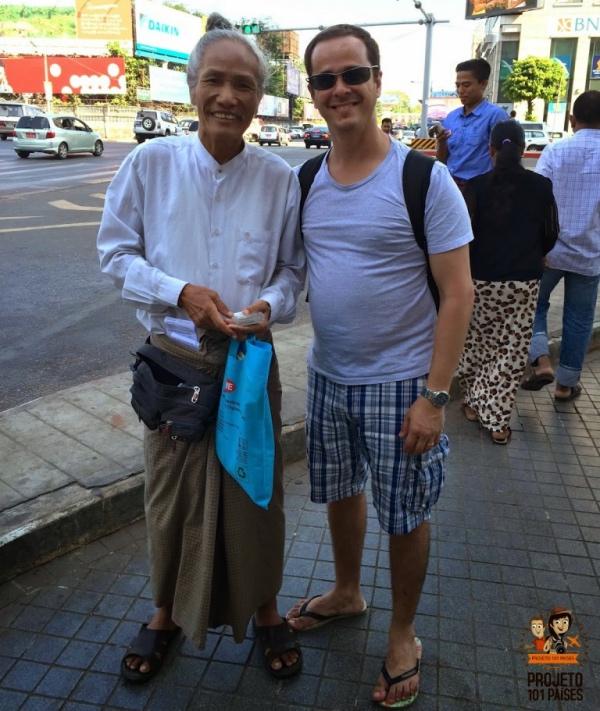 Fabrício e o excêntrico guia Oo Oo Myat Khaing