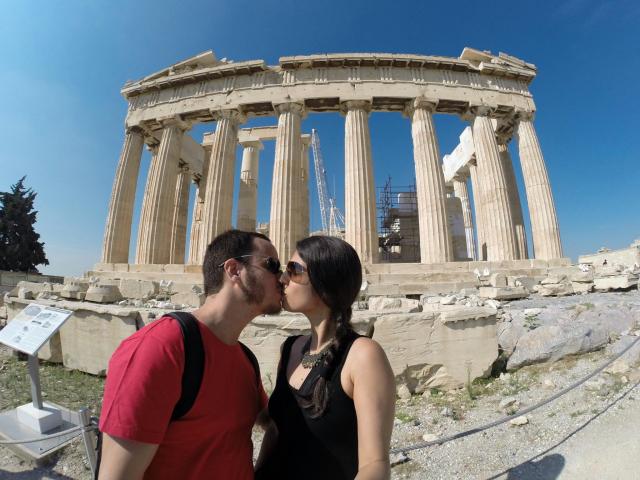 Passeando pela histórica Acrópole de Atenas!