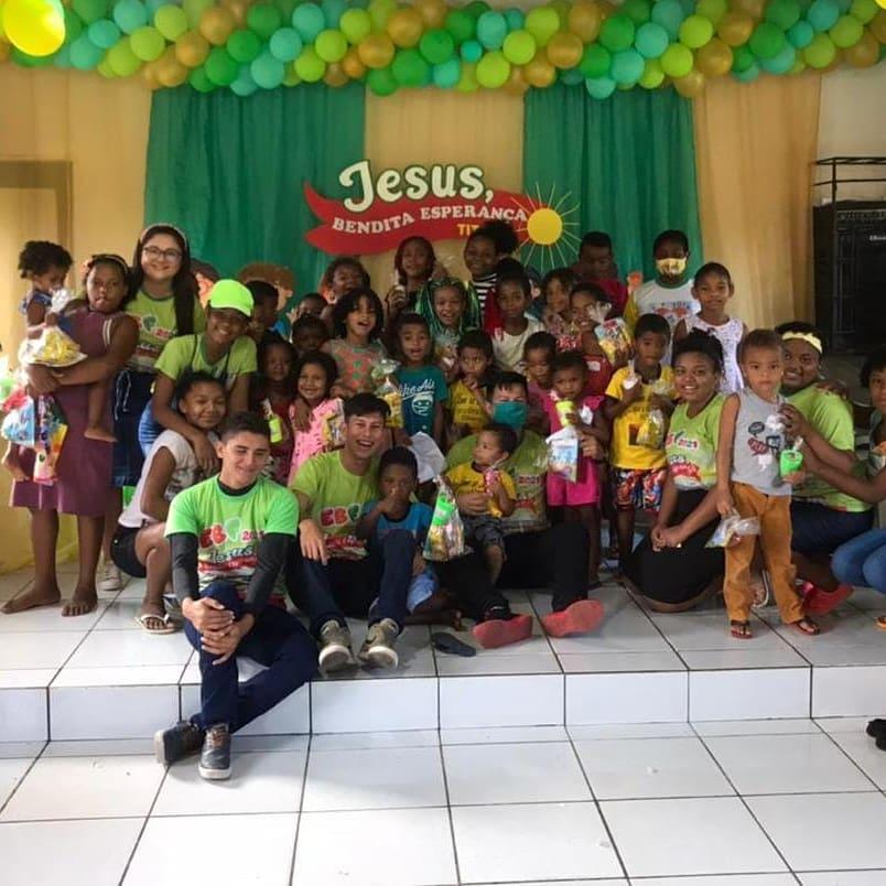 Ontem foi dado início as E.b.f's entre os Quilombos com o tema: Jesus Bendita Esperança (Tito 2:13)