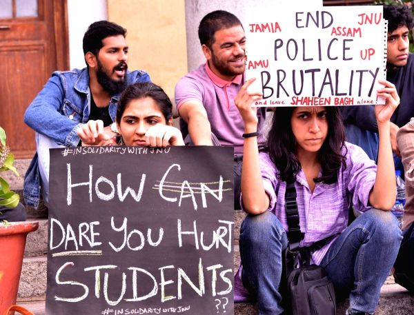 Bollywood Hosts A Peaceful Protest In Solidarity With JNU Students