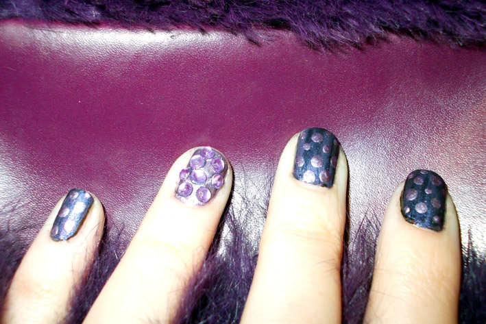 Purple Polka Dots Nail Art