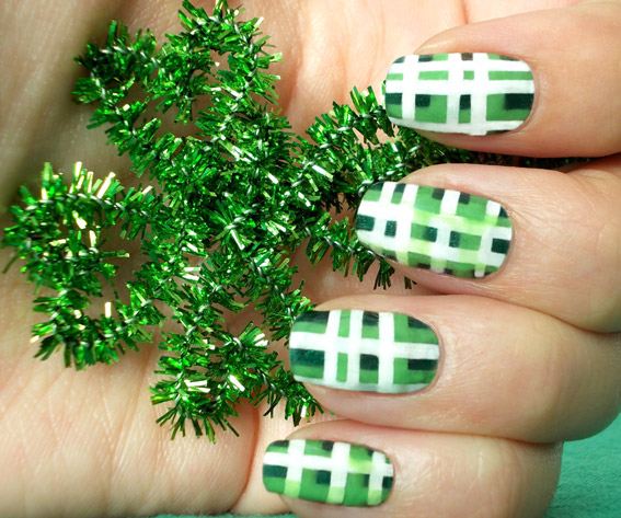 Green Plaid – St Patrick's day Nail Art