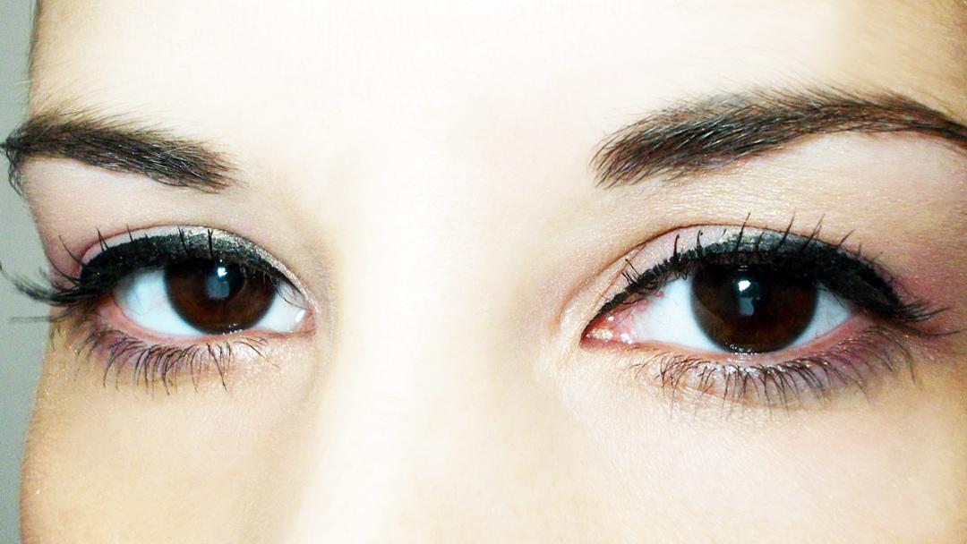 Mega Effects Mascara eyes