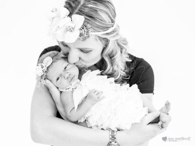 Chanele Newborn Shoot MakeUp Kiss