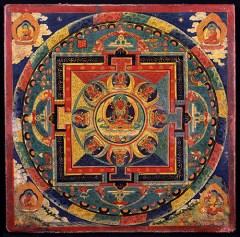 mandala de méditation utilisé pour fixer ses pensées et se sentir connecté avec l'universel