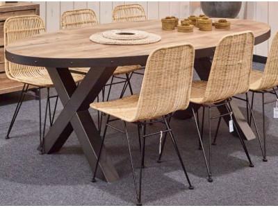 table salle a manger kuta dispo dans deux teintes