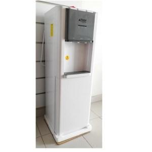 Fontaine Astech avec frigo incorporé