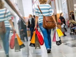 Sites ajudam economizar na compra de produtos ou serviços em diferentes loja