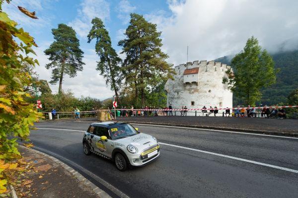 MINI Cooper SE electric la Viteza in Coasta (1)