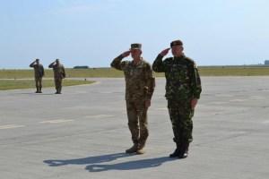 Generalul Nicolae Ciucă, şeful Statului Major General alături de generalul Viktor Muzhenko, șeful Statului Major General și comandant al Forțelor Armate Ucrainene