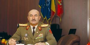 generalul-locotenent Dumitru Scarlat,