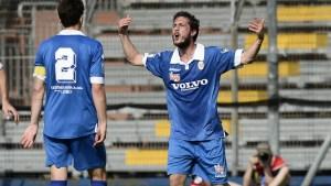 Db Como 07/06/2015 - play off Lega Pro / Como-Bassano Virtus / foto Daniele Buffa/Image Sport nella foto: esultanza gol Simone Andrea Ganz