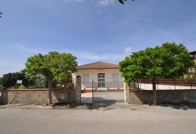 Pronto Casa: Villetta 5 locali a Marina di Ragusa in Vendita a Marina di Ragusa Foto 1